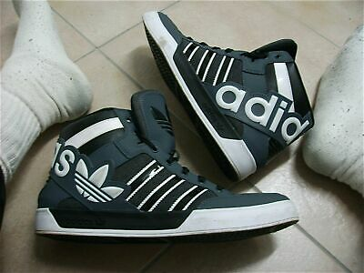 adidas Originals Hardcourt Big Logo in weiss CG7132