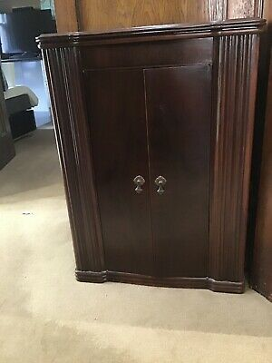 AGE Record And Radio Cabinet ONLY.  Does Not Include Radio Or Record Player