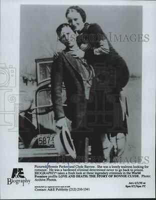 1995 Press Photo Bonnie Parker In 'Love And Death: The Story Of Bonnie Clyde'