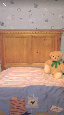 Vintage Sleigh Bed Stripped Pine (single)