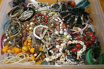 JEWELRY LOT ESTATE VINTAGE to NOW NECKLACES EARRINGS for WEAR CRAFT NO JUNK 8 pc