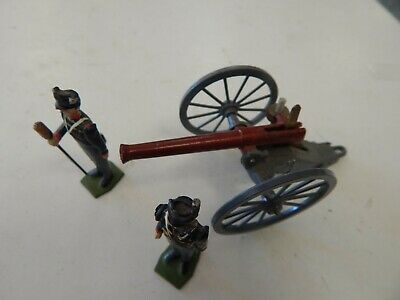 Britains made in England Field gun with 2 Crew