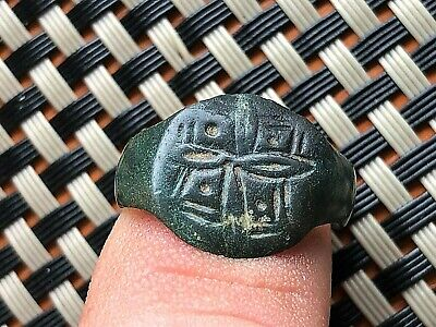 Ancient Roman Bronze Ring With Cross Circa 300-500 Ad Very Rare