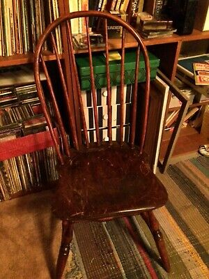 Period Antique c.1795-1800 18th Century bow back Windsor chair New England