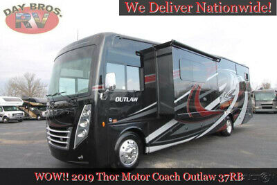 2019 Thor Motor Coach Outlaw 37RB RV Class A Motorhome Gas Toy Hauler Ford