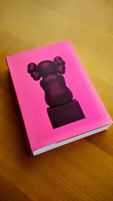 """Livre """"This is not a Toy Book"""" - Art toy Collector"""