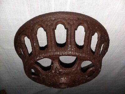 """Victorian Cast Iron Oil Lamp Wall Bracket Base Bowl Dish 5"""" Replacement Part"""