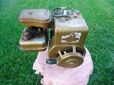 Vintage 1976 / 2 HP Briggs & Stratton Engine / Model 60102 / Mini Bike / Go Kart