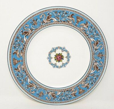 Wedgwood Turquoise Florentine W2714 10.75 Inch Dinner Plate Very Good Condition