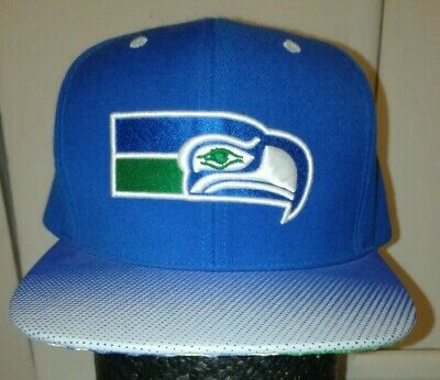 7df4e1c6aac189 Mitchell & Ness Vintage Collection Seattle Seahawks Snapback Hat Cap 80%  Wool