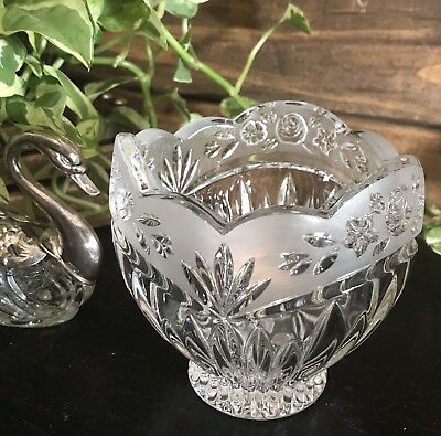 Oneida Crystal small bowl Southern Garden small candy hostess trinket jewelry