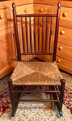 Antique American Shaker Style Spindle Back Nurser Rocker Rush Seat
