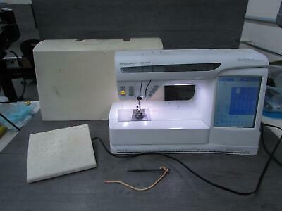 HUSQVARNA VIKING DESIGNER EPIC Sewing & Embroidery Machine