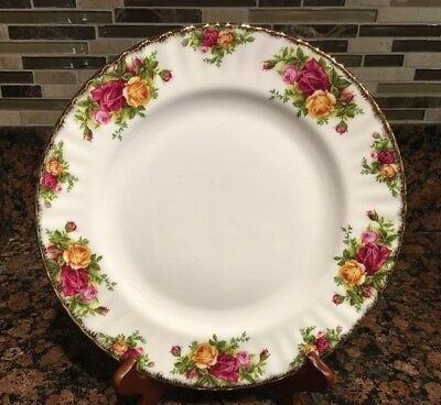 Royal Albert Old Country Roses Dinner Plate,1962  Fine China