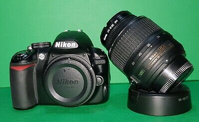 Nikon D3100 DSLR 14,2MP + AF-S 18-55mm VR + Nikon MC-DC2 14894 SCATTI