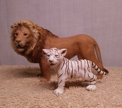 Schleich Lot of 2 Adult Male Lion White Tiger Cub Retired Animal Figure 2007