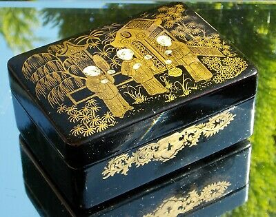 Beautiful Victorian Chinoiserie Polychrome & Gilt Handpainted Lacquered Box