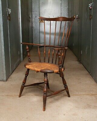 Vintage Windsor Arm Chair - Comb Back - Rush Seat