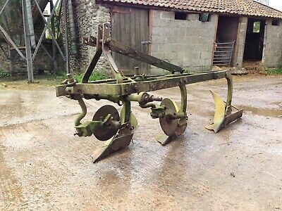 Ransome Plough 3 Furrow.Working order ... Missing thewinding handle andone disc