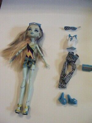 Monster High Doll By Mattel: Frankie Stein with Sleep Set and Beach set