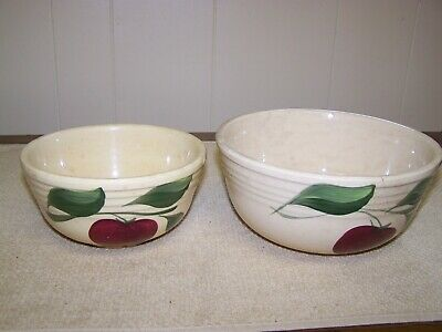 Pair of Antique Watt Pottery Bowls 06 and 07, Apple Pattern, Three Leaves