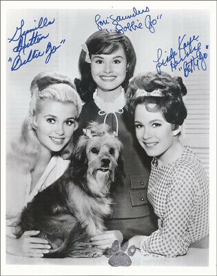Petticoat Junction Tv Cast - Autographed Signed Photograph With Co-Signers