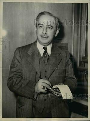 1944 Press Photo New York Dr Perry Lichtenstein arrives for Lonergan trial NYC
