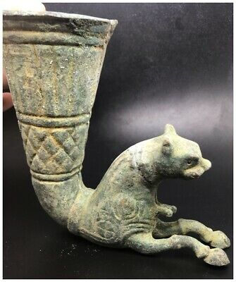 Excellent rare ancient old Roman drinking rhyton bronze cup with lion head
