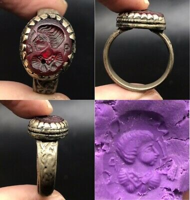 Beautiful queen intaglio in red stone unique bronze ring
