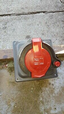 LEGRAND 052913 HYPRA socket 3P+E IP44 32A 380 415Vac PRISINTER pre owned
