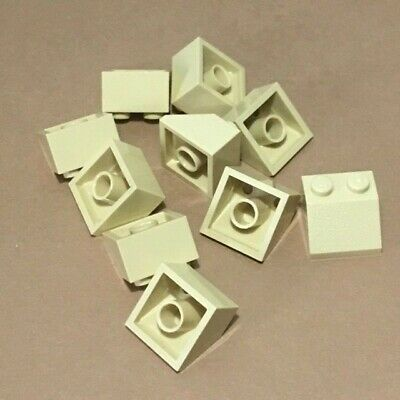 3039 LEGO: Pack of 10 Trans Clear 2 X 2 45/% slope Roof Brick NEW.