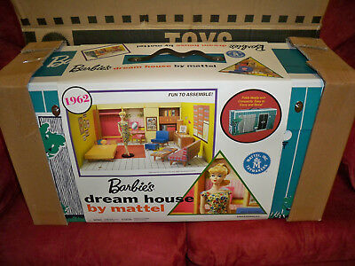 2017 Barbie Dream House 1962 Reproduction & Blonde Barbie Doll & Fashion Mattel
