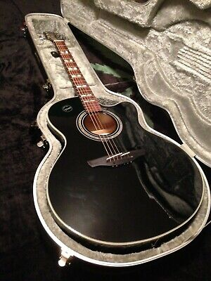 Takamine Acoustic Guitar slightly used condition  Model No. EG523SC-B w/o case