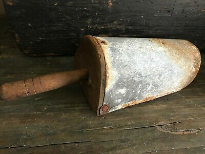 Antique Primitive Metal Wood Grain Feed Scoop Shovel Old Store Farm Tool