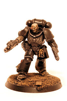 Raven Guard Primaris Lieutenant with Bolter Warhammer 40K Painted Space Marine
