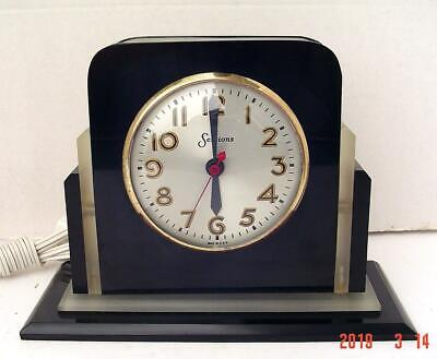 Vintage Art Deco Frosted Lucite And Black Catalin Sessons Clock