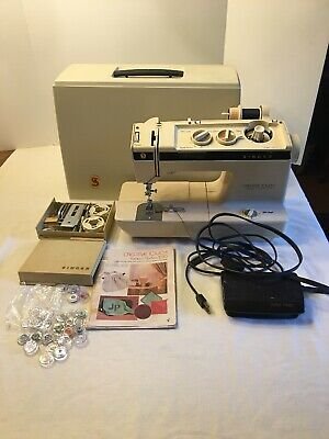 Singer Creative Touch Fashion Sewing Machine #1030 Foot Pedal Case & Accessories
