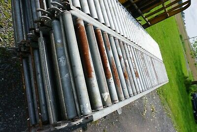 "18"" x 10'  gravity roller conveyor Valley Forge & Speedway Brands"