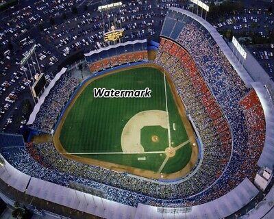 EP-900 RICK MONDAY CUBS OUTFIELDER SAVES THE FLAG AT DODGER STADIUM 8X10 PHOTO