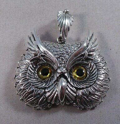 Beautiful Owls Face Sterling Silver Pendant