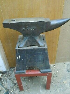 Brooks 1 CWT 51 Kg London Pattern Anvil & Stands
