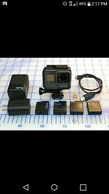 GoPro Hero 5 Black Edition, Charger, 4 batteries, 32 GB San Disk, Housing Deal