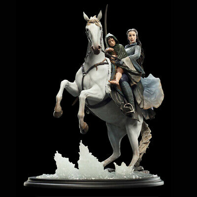 Lord Of The Rings - Arwen & Frodo Snap On Asfaloth 1/6 Statue Weta