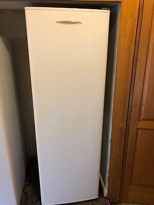Fisher & Paykel 266Litre Model C270 Fridge