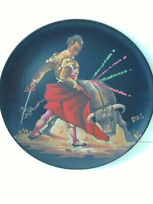 VINTAGE MATADOR,BULL FIGHT HAND PAINTED WOODEN PLATE CIRCA 1960's