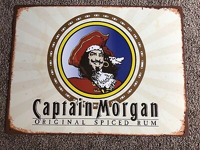 (L@@K) Captain Morgan Spiced Rum With  Captain Tin Sign Game Room Man Cave