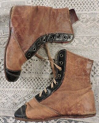 Antique Victorian 19Th C Child's Two Tone Leather Shoes / Great 4 Doll