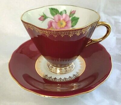 Windsor / England ~ Bone China Cup & Saucer ~ Christmas Roses on Burgundy ~ Mint
