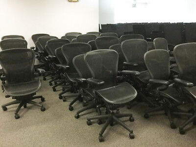 Herman Miller Aeron Chair Size B Fully Adjustable In Excellent Condition.
