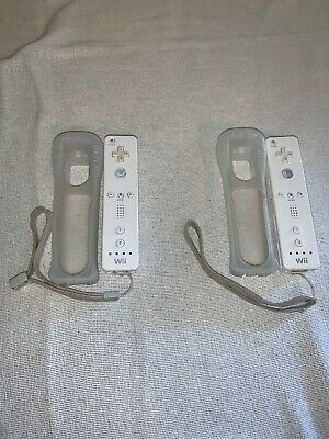Lot of 2 Nintendo Wii Remotes 2x OEM White Wiimote